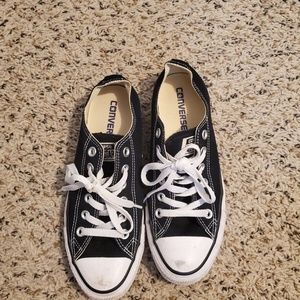 Women's sz 7.5 converse all star's